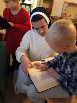 STA with children and Bible
